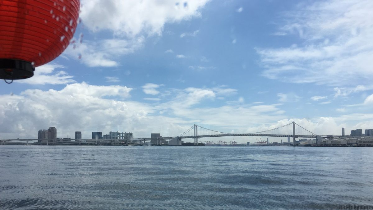 photo from the boat on the sumidagawa